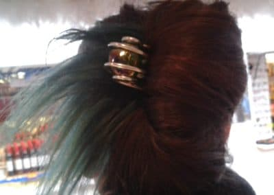 epingle grose perle de verre verte reflets cheveux bleu toulouse marche de noel 2013